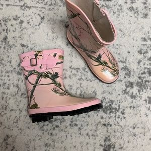 Gander Mountain Pink Camo Boots